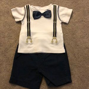 Cute little bow tie suspenders out fit.